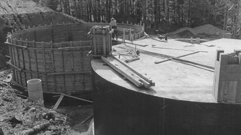 Runde Kammern im Bau - Trinkwasserspeicher Sandriegelweg